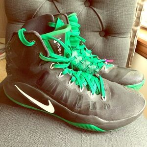 Nike Shoes - Nike Hyper Dunk 12 Bucks hi-tops